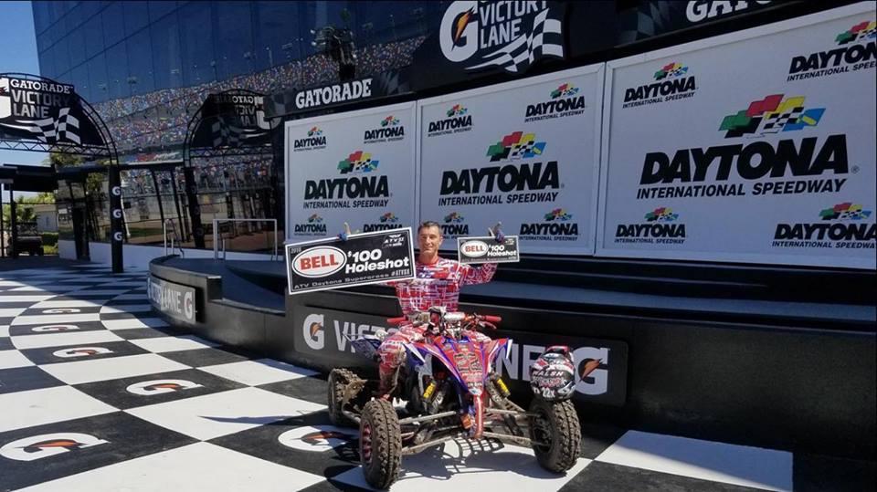 Racepro_usa_jason-Schneider-Daytona_pit_row